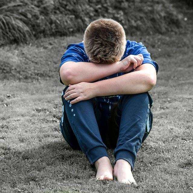 Study Shows Father's Rejection Triggers Anxiety in Teens