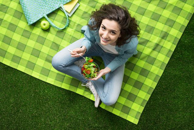 The Best Way to Help Teens Snack Mindfully